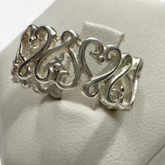 Claddagh Ring originariamente è un anello di fidanzamento irlandese