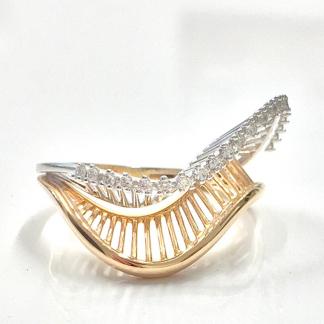 anello in oro 18 carati bicolore con diamanti